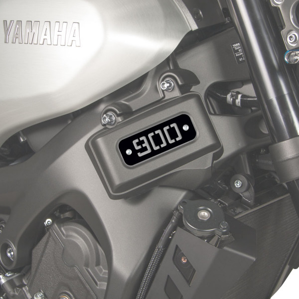 Placa (900) Barracuda. Yamaha XSR-900.
