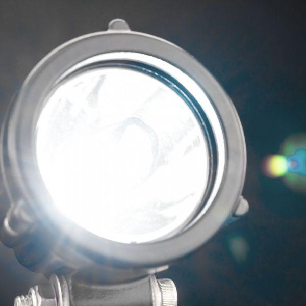 Luz Led Exploradora Stedi MCX10 (chorro).